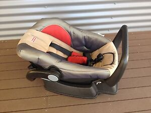 Fisher-Price car seat Inverell Inverell Area Preview