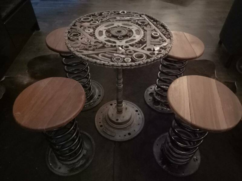 Man Cave Garage Moorabbin : Metal art table x1 and bar stools x4 for man cave garage