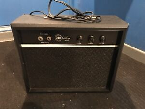 GLOBAL 4080 SOLID STATE SOLID STATE GUITAR AMP 15 WATTS