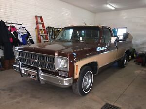 Looking to buy dodge .    1960 to 1970.   Or 1990 to 1993.