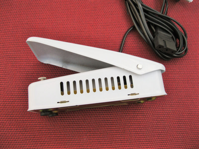UNIVERSAL HOME SEWING MACHINE FOOT CONTROL PEDAL WHITE