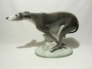 ancienne statue porcelaine art deco william goebel hummel chien dog levrier 1935 ebay. Black Bedroom Furniture Sets. Home Design Ideas