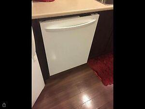 Lave-vaisselle LG intérieur en stainless