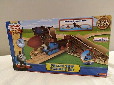 2012 Thomas the Train and friends Wooden Railway Pirate Ship Figure 8 Set