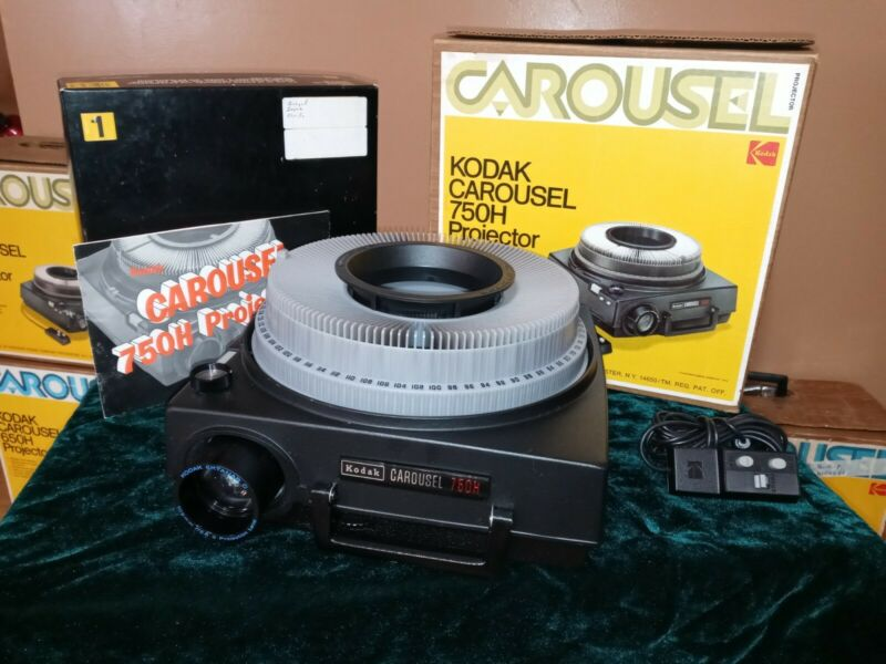 SERVICED Kodak 750H Carousel Slide Projector - EXCELLENT - READY TO USE - C3