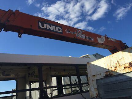 Unic v33 turbo crane