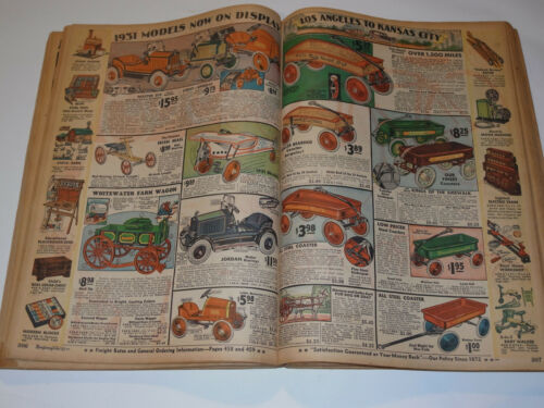 VINTAGE DEPRESSION 1930-31 MONTGOMERY WARD F&W CATALOG! XMAS SECTION IN COLOR!