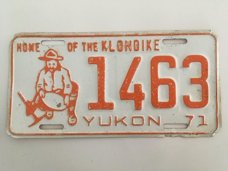 1971 Yukon Territory License Plate All Original some white specks on surface