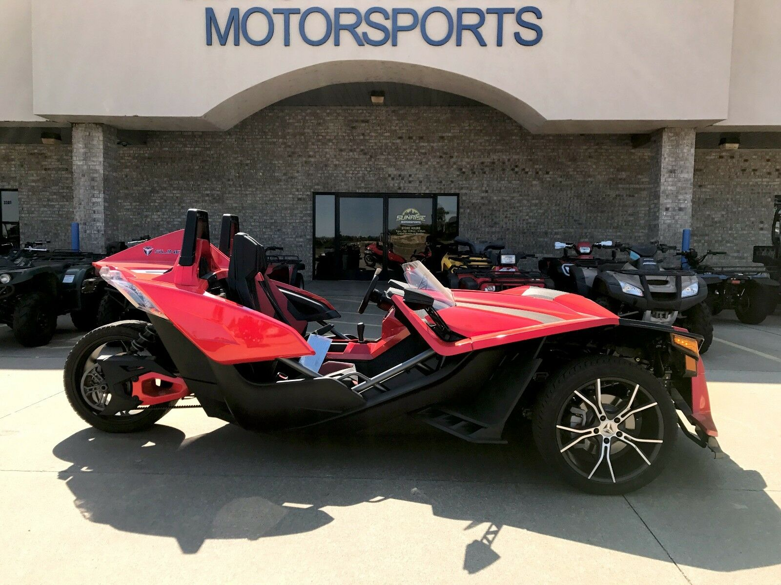 2015 Other Makes Polaris Slingshot SL  2015 Polaris SlingShot SL Red