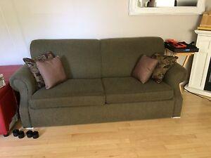Causeuse (divan-lit) couleur kaki