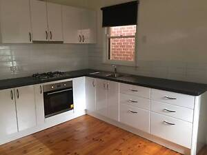 Heidelberg Heights - 3 bedroom house - fresh and bright Heidelberg Heights Banyule Area Preview