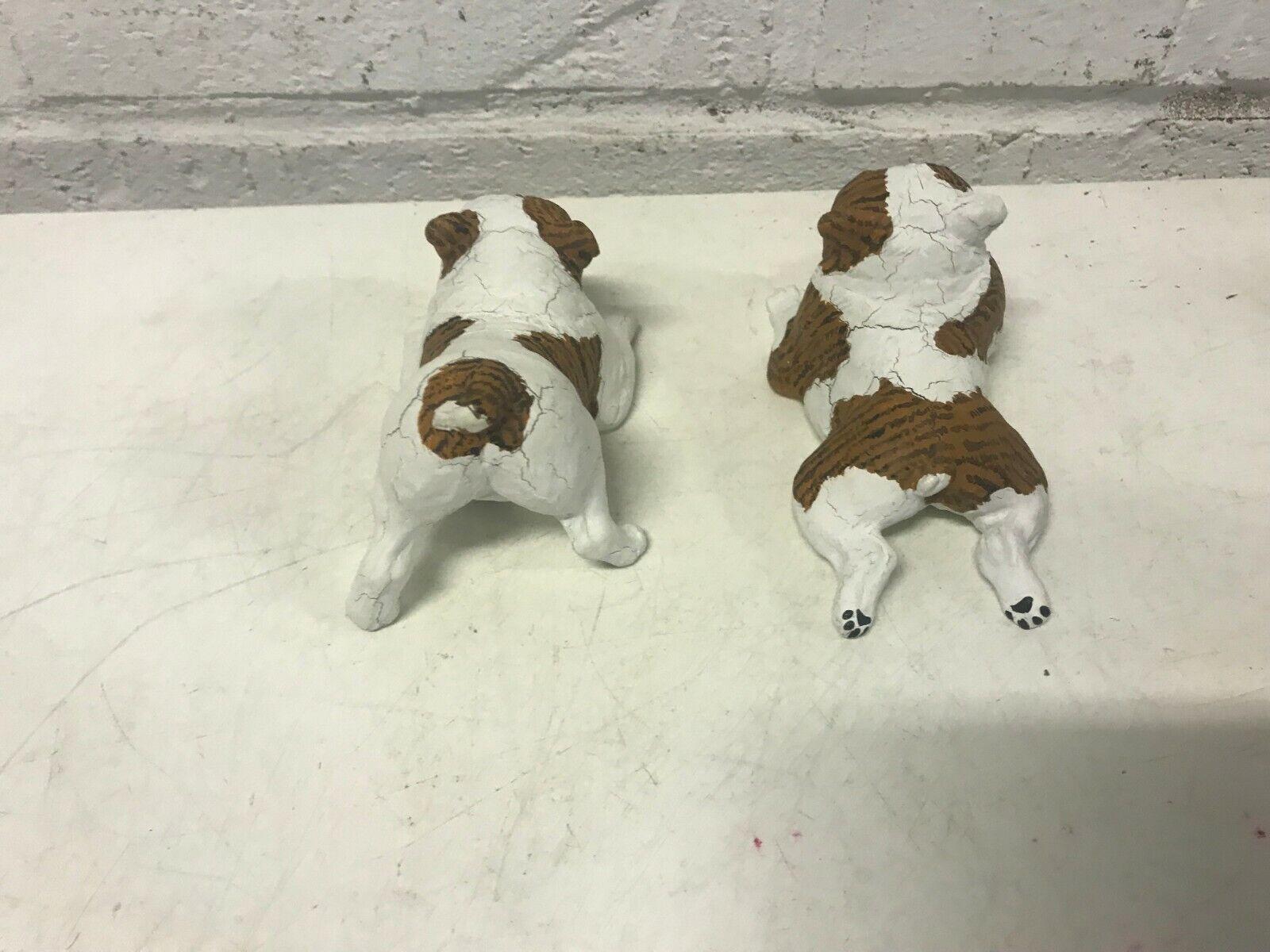 2 cece bulldog anglais figurine playing & allongé down avec os & bol signé