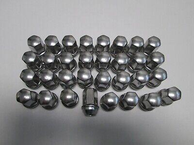 32 CHEVY GMC 2500HD 3500HD FACTORY OEM  LUG NUTS 14 15  LUGS 2011 to 2020
