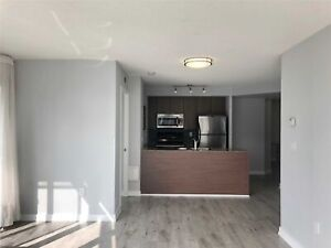 2 Bedroom Front Spadina 1parking Included Move In Today