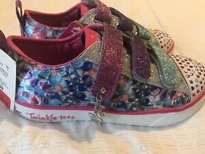 NWT Sketchers Twinkle Toes light up shoes SZ1