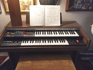 Yamaha Electrone with Auto Rhythm Section FREE to a good home