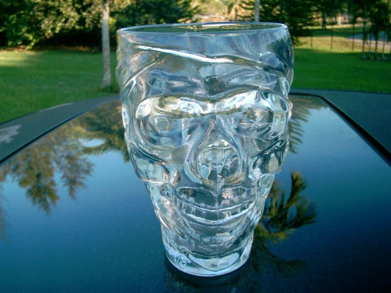 """TREASURE ISLAND LAS VEGAS GLASS SKULL BEER MUG LARGE 6.5 """" MUG TAKE A LOOK"""