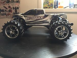 Traxxas E- Maxx brushless castle Mamba Monster 2