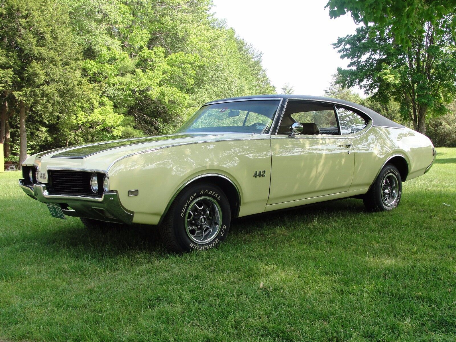 1969 Oldsmobile 442 Holiday Coup Restored! 1969 Oldsmobile 442, 2-door Holiday Coupe, Canada Built, Matching Numbers