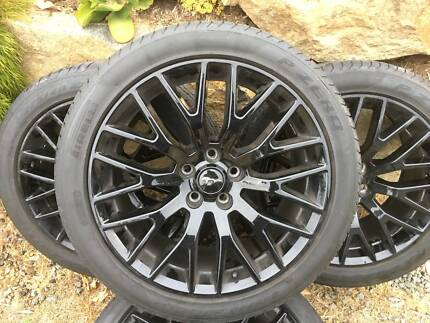 Mustang Alloy Wheels (low profile tyres and rims) x 4