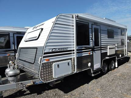 2018 Supreme Classic 19'9 (double bunks) - #4219N