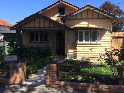 RENT 3 bedroom house short term - utilities included in rent