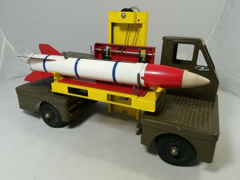 Nylint No. 2800 Guided Missile Carrier RARE with Missle! Clean!