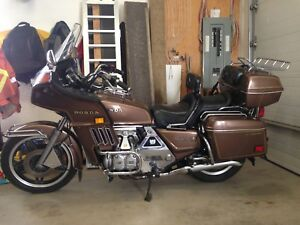Honda Goldwing  (reduced to 1600$)