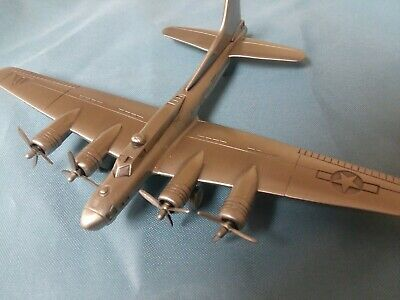 FLYING FORTRESS  WW II AIRPLANE PEWTER / DANBURY MINT NEW