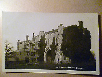 Vintage POSTCARD- Old Monastery Gateway St Albans,Hertfordshire