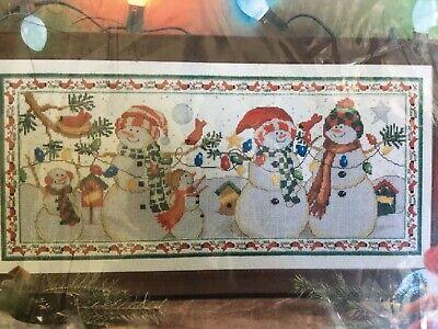 Family Cross - Snow Family Snowmen Cross Stitch Kit Craftways Sealed 19.25x8.5 Birds Lights