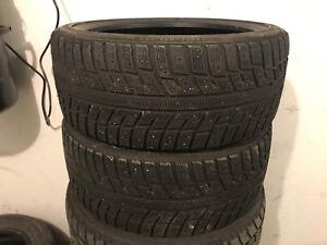 2 - 215/40R18 Kuhmo Winter Tires