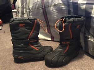f34d4f753 Winter Boots   Buy or Sell Clothing for Kids, Youth in Calgary ...