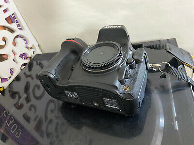 NIKON D800 36MP DIGITAL SLR CAMERA - Very Low Usage - D 800