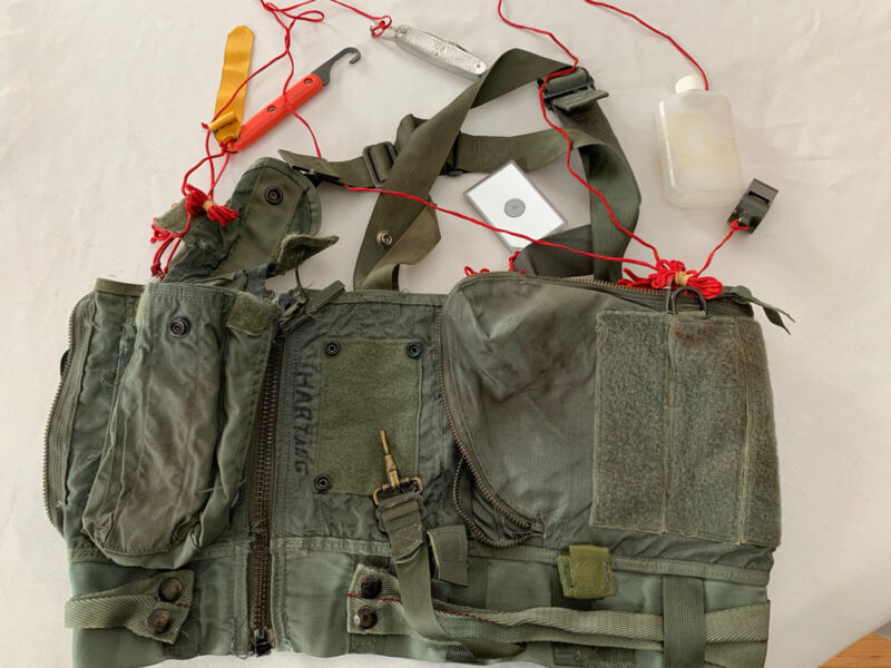 Survival Vest Pilot With Original Survival Items Knife Shroud Cutter Bottle