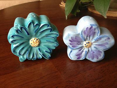 Ceramic flower salt and pepper shakers aqua blue daisy lavender violet FREE SHIP