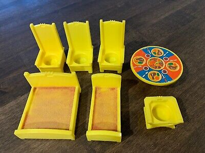Fisher Price Little People Vintage 993 Castle YELLOW THRONES TABLE Steak Set Bed