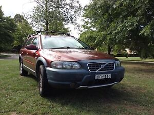 Wrecking red Volvo V 70 XC most parts should work on a Volvo XC70 Bowral Bowral Area Preview