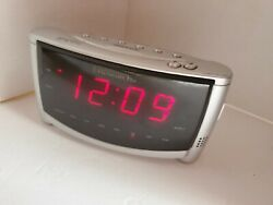 SmartSet Dual Alarm Clock by Emerson Research AC100 - automatic Setting Clock