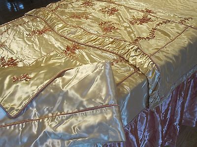ANTIQUE HOLLYWOOD REGENCY DECO 1930S 4 PC FULL SZ EMBROIDERY SATIN BEDDING - Hollywood Deco