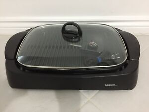 EXCELLENT CONDITION INDOOR/OUTDOOR GRILL