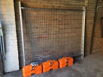 Temporary fence panels x4