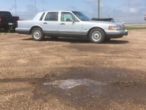 1994 Lincoln Town Car Cartier Alberta Registered