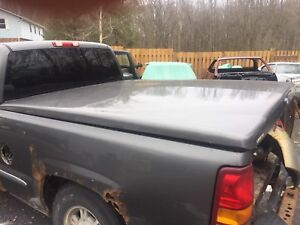 Hard tonneau cover / bed lid