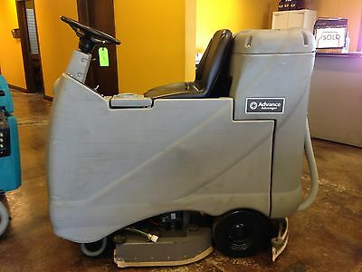 Advance Advenger 3210 Riding Floor Scrubber