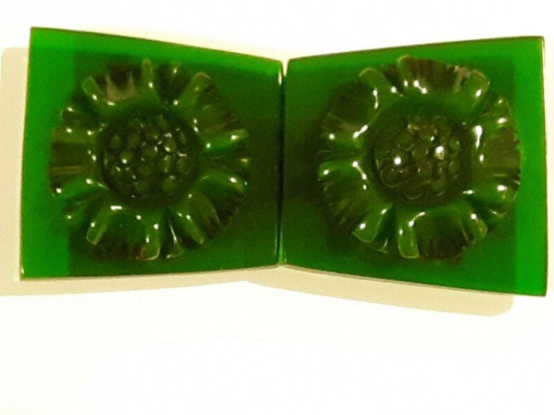 Vintage Green Chunky Carved Sunflower Bakelite Fur Clip