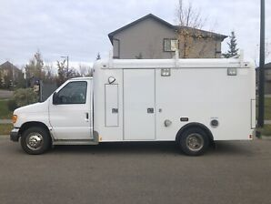 2006 Ford F-350 Commercial Cube Van