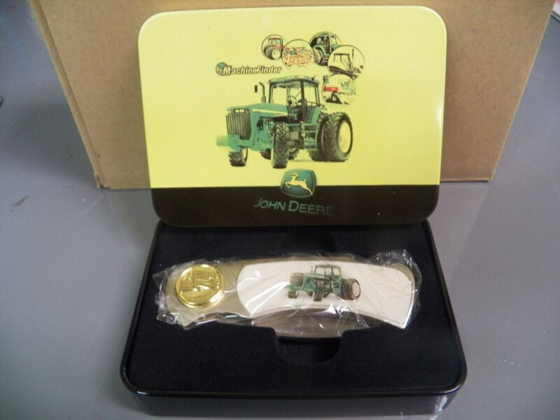 John Deere Collectors Knife in Tin. NEW!!! Tractor