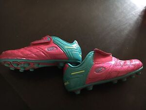 Girls Size 1 Cleats