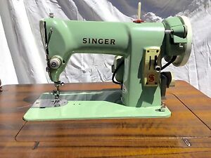 """Authentic """"SINGER SEWING MACHINE"""" Ensemble Mudgeeraba Gold Coast South Preview"""